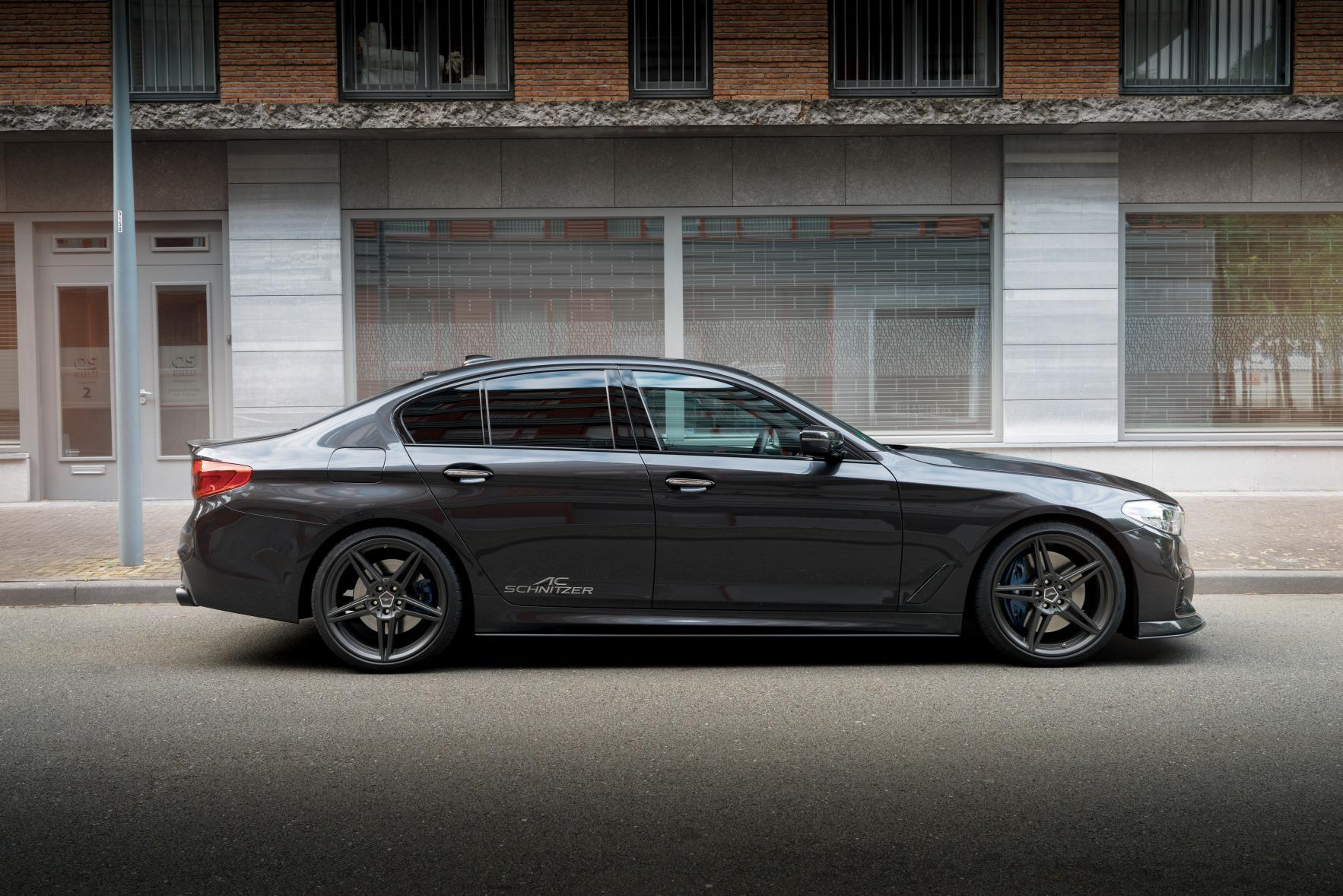 http://www.advent.jp/blog/BMW_5er_Limousine_by_AC_Schnitzer_seite_stehend_72.jpg